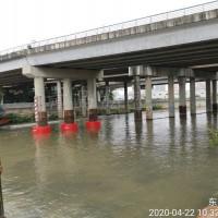 河道桥柱防船只撞击桥梁安全防护围栏