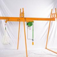 室内外楼房上料吊机价格-500公斤室内直滑式吊沙机-东弘起重